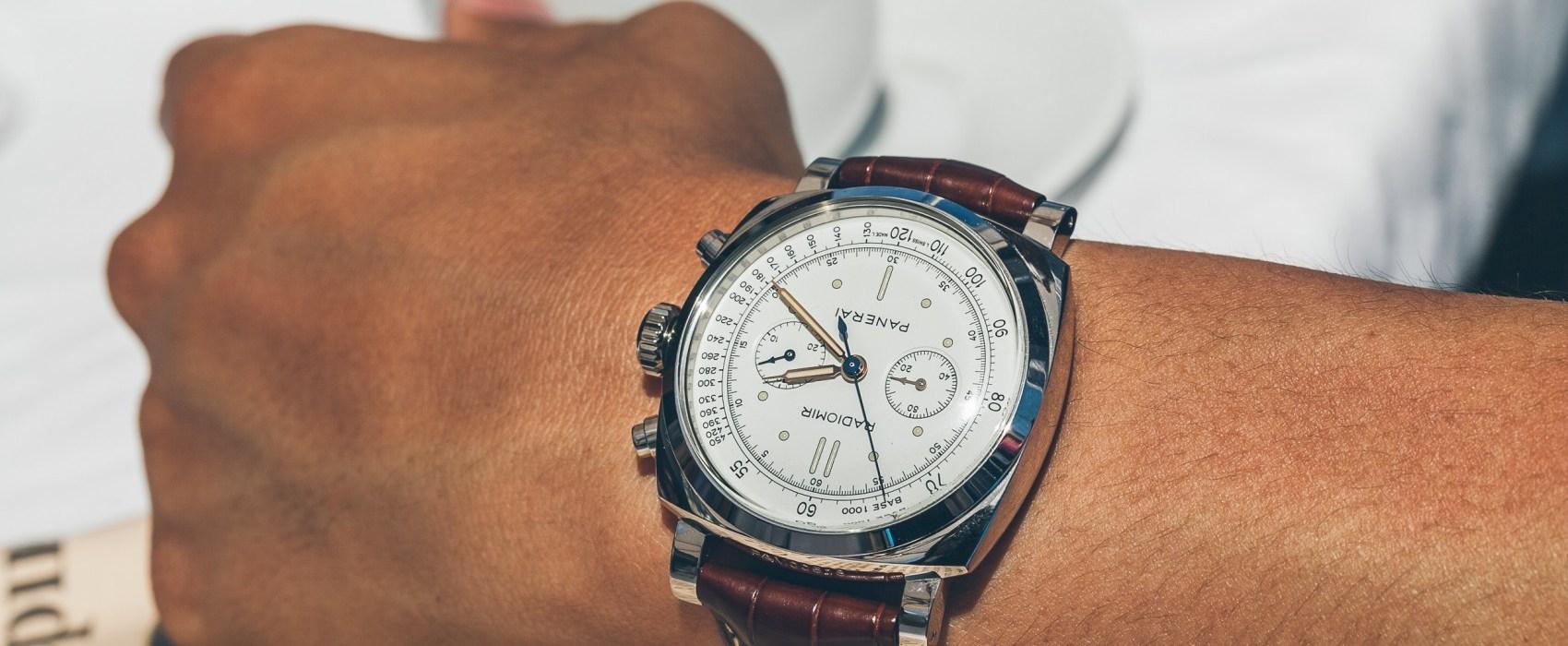 d3bc32dd8 Pokud tedy máte na hlavním ciferníku hodinek tři další malé ciferníky, při  zapnutí chronografu se zapínají automaticky všechny. Jeden měří sekundové  úseky, ...